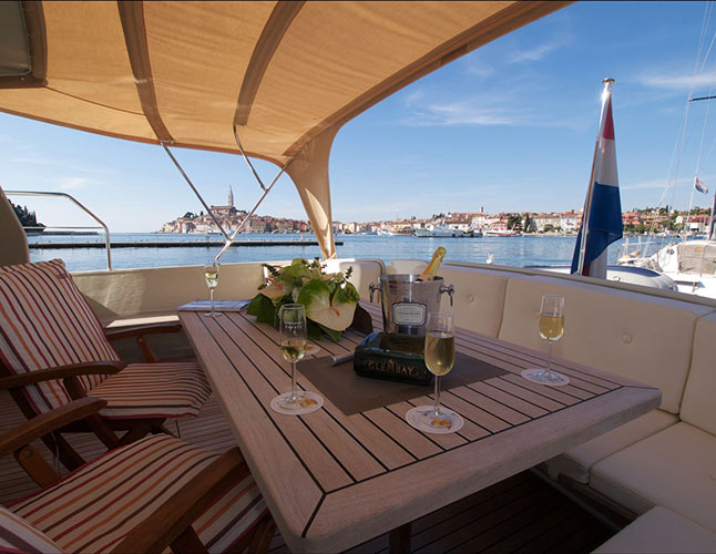 Luxury Yacht Tours Day Trips